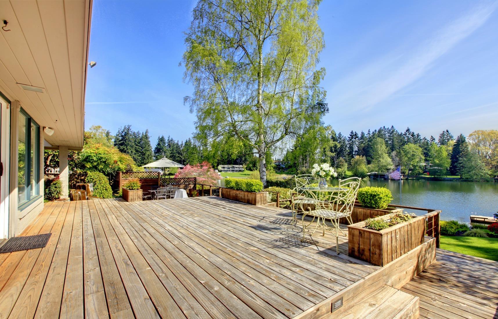terrasse en bois li ge et namur de la r alisation la pose. Black Bedroom Furniture Sets. Home Design Ideas