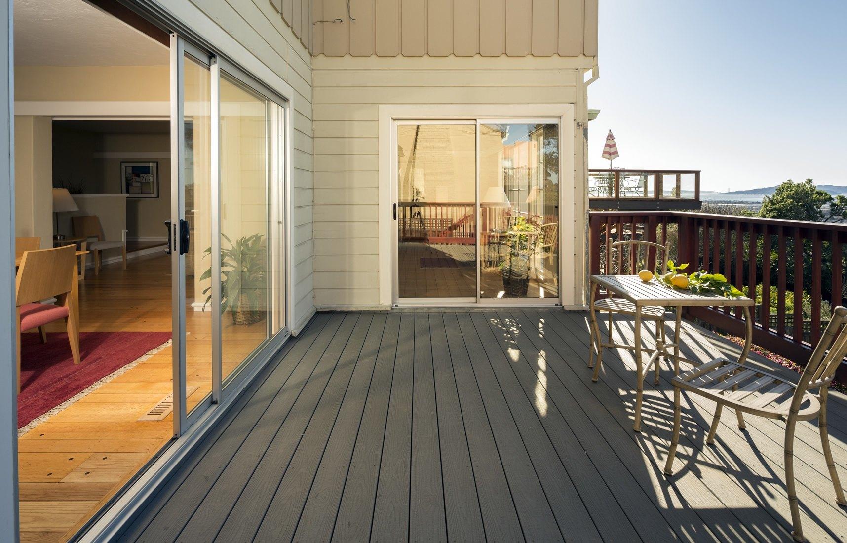 terrasse en bois composite terrasse li ge et namur. Black Bedroom Furniture Sets. Home Design Ideas